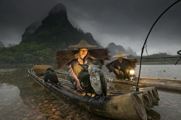 Art Wolfe Working the Image The Night Fisherman06